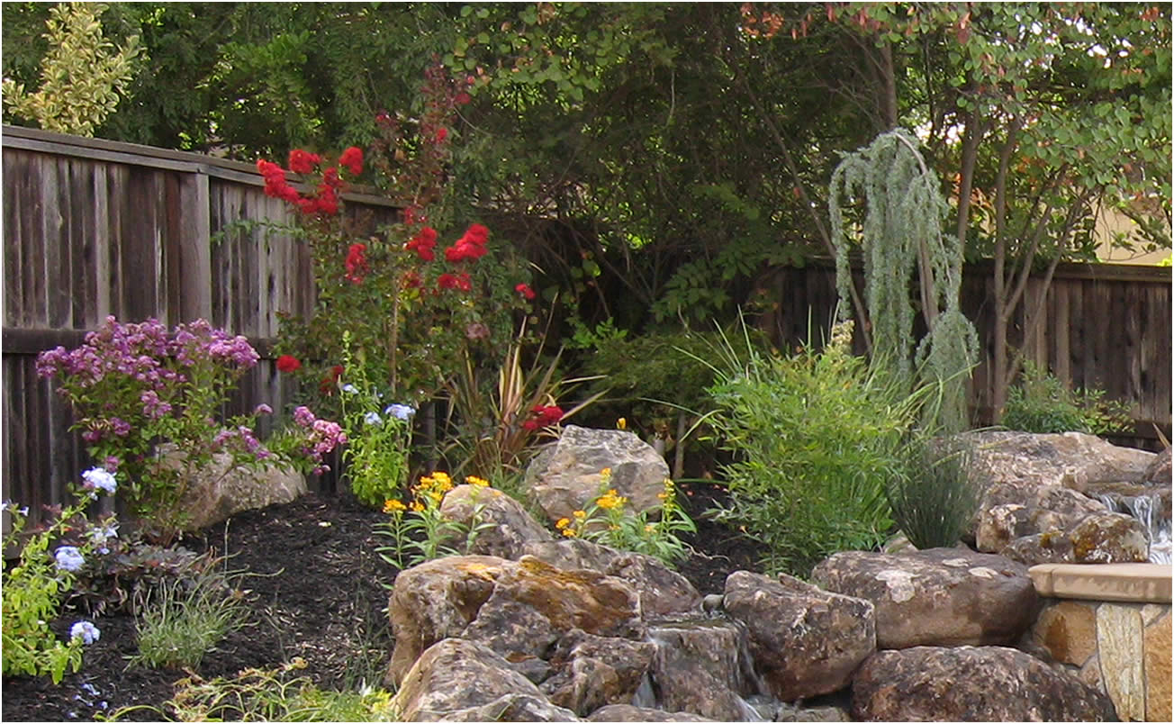 Backyard landscaping sacramento ca for Landscaping rocks sacramento